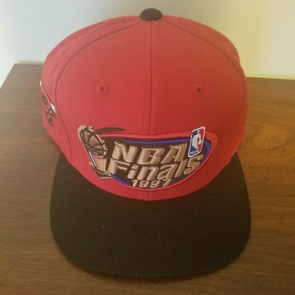 d89639c1476 Chicago bulls 1997 NBA finals hat. M 5b16cfe33c98445693e2745d
